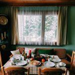 Arredamento della sala da pranzo in stile provenzale