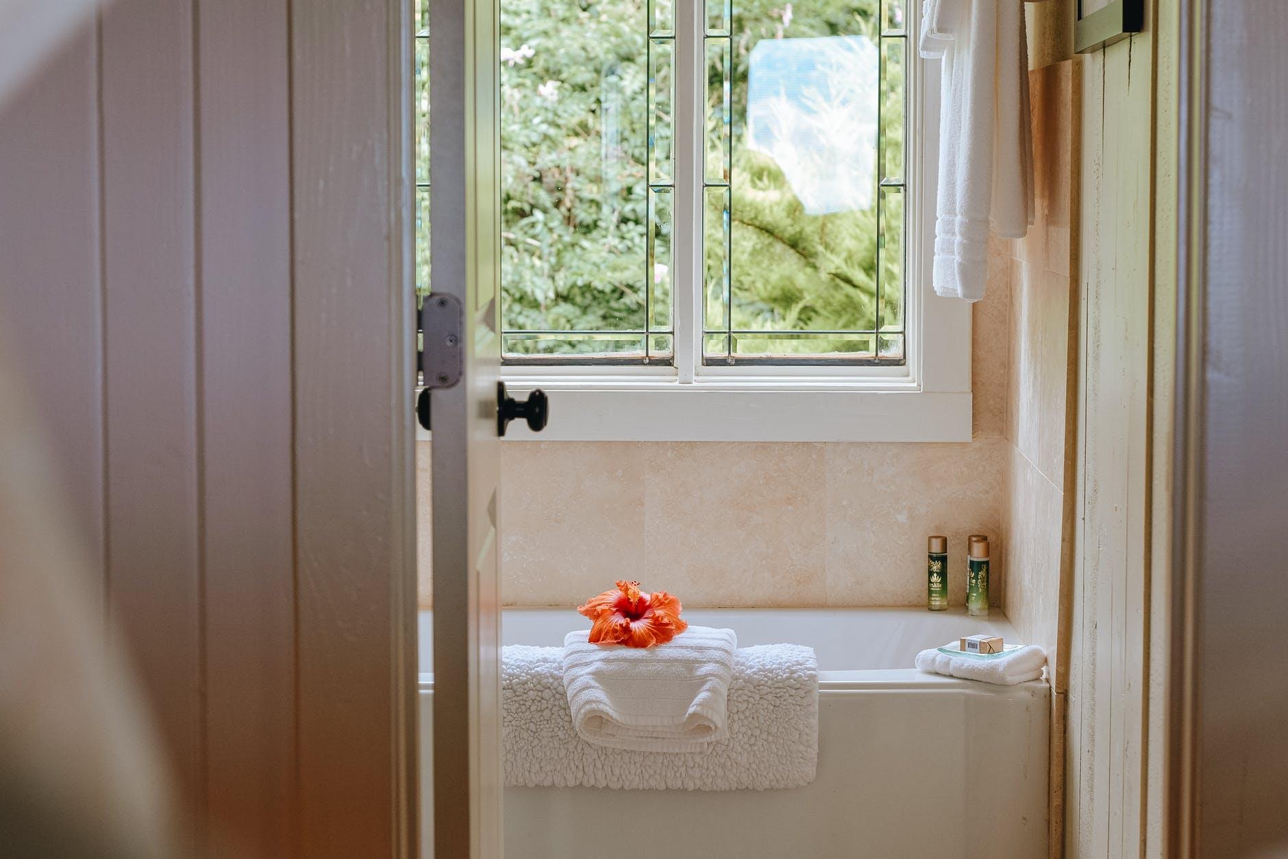 Arredare ed abbellire un bagno molto piccolo