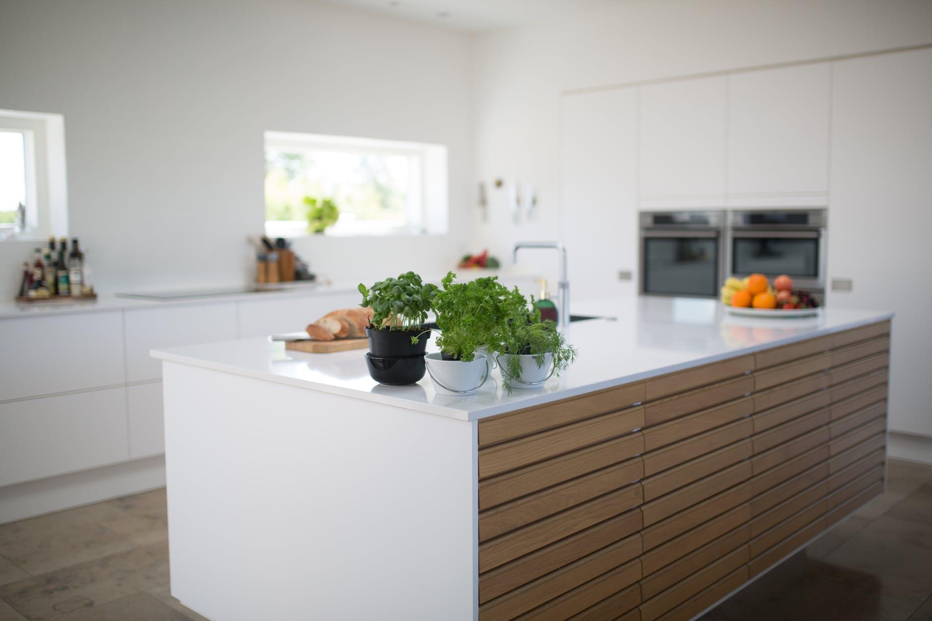 Come scegliere i colori adatti per la cucina