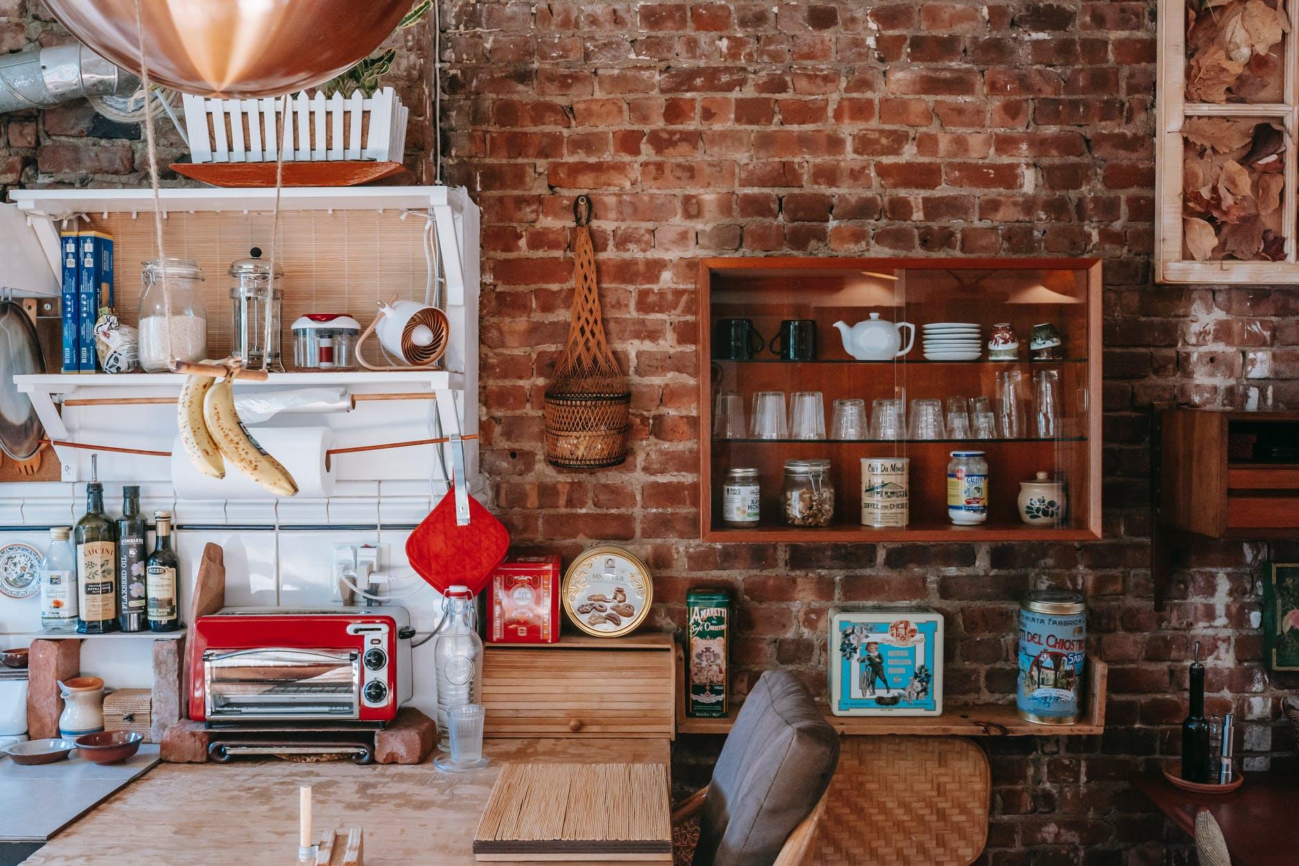 Cosa non deve mancare in una cucina rustica